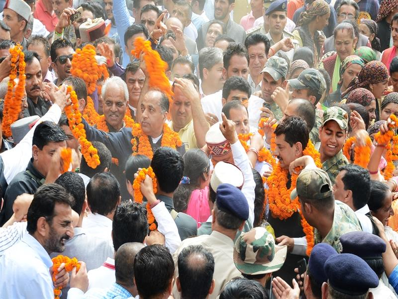 Chief Minister Shri Jai Ram Thakur being welcomed at Balghar in Shimla district on 12  July 2018.