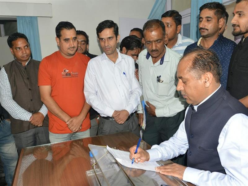 Chief Minister Sh. Jai Ram Thakur listening to  public grievances at Dharamshala on 7 Aug 2018.